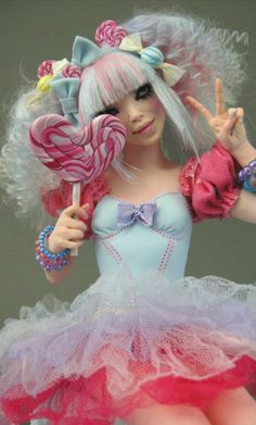 Kawaii Cute Harajuku Girl - Nicole West Fantasy Art by lessie Disfraz Katy Perry, Ooak Dolls, Barbie Dolls, Manequin, Harajuku Girls, Toy Art, Polymer Clay Dolls, Creepy Dolls, Little Doll