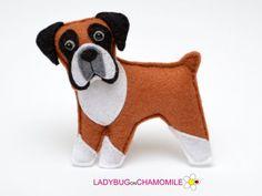 Felt BOXER DOG, stuffed felt Boxer magnet or ornament, Dog toy, felt Boxer Felt Christmas Ornaments, Dog Ornaments, Hanging Ornaments, Dog Crafts, Felt Crafts, Stick Crafts, Fabric Crafts, Felt Dogs, Pembroke Welsh Corgi