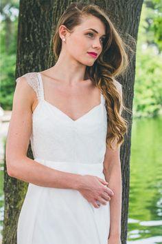 Les robes de mariée d'Adeline Bauwin - Collection 2016 | Modèle: L'Étincelante | Crédits: Cécile B.Photographies | Donne-moi ta main - Blog mariage