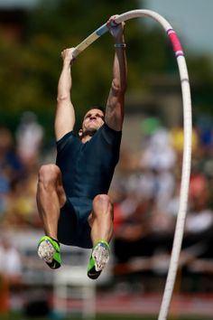 Lavillenie shows he is poles apart again