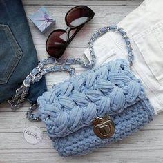 18 отметок «Нравится», 3 комментариев — Bags, home decor (@evesoul_knit) в Instagram: «Джинсовая сумочка готова к небольшому путешествию  на встречу к своей хозяйке.…»