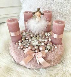 Rose Gold Christmas Tree, Rose Gold Christmas Decorations, Christmas Candle, Elegant Christmas, Victorian Christmas, Christmas Centerpieces, Christmas Tree Decorations, Christmas Diy, Christmas Wreaths