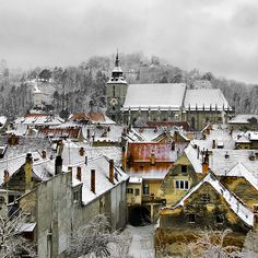 Brasov in snow, Romania Oh The Places You'll Go, Places To Travel, Places To Visit, Albania, Beautiful World, Beautiful Places, Brasov Romania, Bucharest Romania, Famous Castles