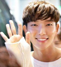 Joon Gi with Love Lee Joongi, Lee Jun Ki, Baekhyun Moon Lovers, Scarlet Heart, Joon Gi, Handsome Actors, Perfect Man, Korean Actors, Superstar