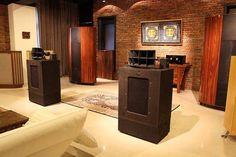 High end Audio audiophile Altec Iconic (fb) Horn Speakers, Diy Speakers, Stereo Speakers, M Audio, Audio Room, Hifi Audio, Sound Room, Altec Lansing, Speaker Design