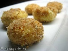 Papanasi fierti Muffin, Yummy Food, Breakfast, Sweet, Desserts, Recipes, Gray, Kitchens, Morning Coffee