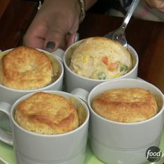 Make chicken pot pie in mugs with no special ramekins required! [directions in bio] Cooking Tv, Cooking Recipes, Individual Chicken Pot Pies, Chicken Pot Pie Filling, Best Chicken Pot Pie, Chicken And Biscuits, Mug Recipes, Cake Recipes, Recipies
