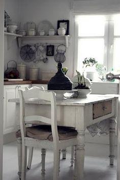 farmhouse kitchen...==== rustic  cottage  style !