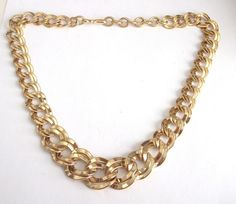 VINTAGE 80 S GOLD TONE CHUNKY CHAIN SIGNED MONET STATEMENT NECKLACE