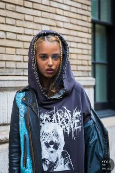 Tommy Genesis by STYLEDUMONDE Street Style Fashion Photography_48A3067