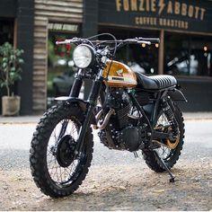 "hondacaferacer: "" Nice bike tag the owner . . #caferacer #hondacb #honda…"