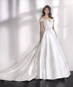LINDSAY - Elegant ballgown wedding dress with illusion neckline Elegant Wedding Dress, Wedding Dress Styles, Designer Wedding Dresses, Bridal Dresses, Wedding Gowns, Lace Wedding, San Patrick, Satin Duchesse, Illusion Neckline Wedding Dress