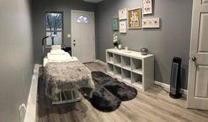 lash room decor Simple Lash room at home Beauty Room Salon, Beauty Room Decor, Makeup Room Decor, Spa Room Decor, Esthetics Room, Lash Room, Salon Interior Design, Home Salon, Decoration