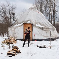 spent the weekend farting in this cool tiny house and digging holes in the snow for mom's beers  #dogsof #dogstagram #frenchbulldogs #dogsofinsta #frenchies #tinyhouse #yurtlife #wintertime