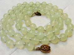 Chinese-Vintage-Celadon-Green-Jade-Beaded-Necklace-Silver-Clasp