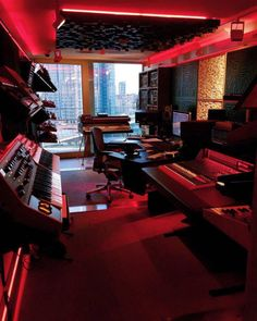 Ideas home studio music recording spaces dreams Home Recording Studio Setup, Home Studio Setup, Music Studio Room, Sound Studio, Studio Ideas, Appartement Design Studio, Home Music Rooms, House Music, Recorder Music