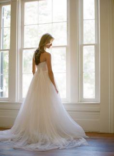 Beautiful Monique Lhuillier gown: http://www.stylemepretty.com/kentucky-weddings/2014/12/01/pastel-springtime-kentucky-wedding/ | Photography: Nina & Wes - http://ninaandwes.com/