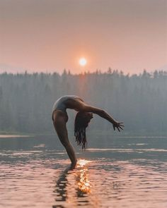 Yoga pose | Yoga inspiration | Yogi goals | Flexibility | Backbend | Beach yoga #YogaPhotography