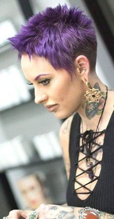 Short Hair Beauty — Rate her look from 1-10 http://ift.tt/1opCFsa