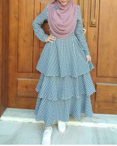 Modest Fashion Hijab, Street Hijab Fashion, Muslim Fashion, Fashion Dresses, Skirt Fashion, Girls Casual Dresses, Nice Dresses, Sewing Clothes Women, Clothes For Women