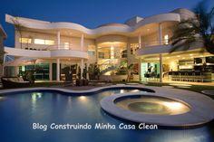 Fachadas de Casas Modernas e Iluminadas! Confira post no blog!! http://construindominhacasaclean.blogspot.com.br/2014/04/fachadas-de-casas-modernas-e-iluminadas.html