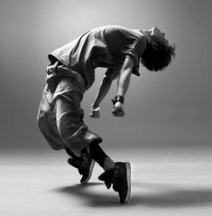 Hip Hop Dancer. Great Dynamic Dance Photo shoot pose.  find #jazz and #hiphop inspirations at #monicaHahnPhotography