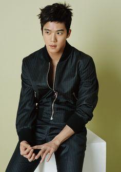 Korean Hairstyles Women, Asian Men Hairstyle, Japanese Hairstyles, Asian Hairstyles, Men Hairstyles, Asian Actors, Korean Actors, Ha Suk Jin, Asian Eye Makeup