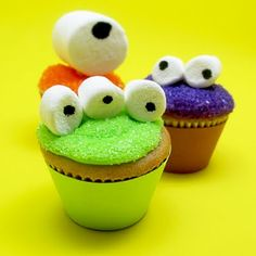 Googly-eyed monster mini cupcakes for Celebrations | The Decorated Cookie