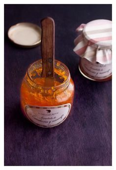 Carrot with Orange Jam by El Oso con Botas (has a link to translate into English) Canning Recipes, Kitchen Recipes, Marmalade Jam, Orange Jam, Salsa Dulce, Mousse, Fruit Preserves, Rainbow Food, Pots
