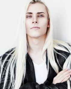 This looks like a young and gorgeous Lucius Malfoy xD