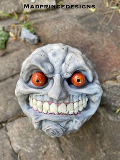 The evil moon from the Legend of zelda game Majoras mask! This mask was sculpted, molded, cast and painted by Madprincedesigns 💜 #majorasmask #zelda #zeldaart #moon #mask #legendofzelda #cosplay #art #resinart #sculpting #link Cool Masks, Resin Art, Mask Design, Legend Of Zelda, Sculpting, Halloween Face Makeup, Moon, Cosplay, Photo And Video