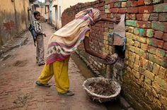 India Campaigns For Women's Right to Pee