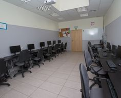 Sala komputerowa w Tychach, #sale #saleszkoleniowe #saletychy #salatychy #salaszkoleniowa #szkolenia  #szkoleniowe #sala #szkoleniowa #tychach #konferencyjne #konferencyjna #wynajem #sal #sali #szkolenie #konferencja #wynajęcia #tychy #salerezerwacje #komputerowa