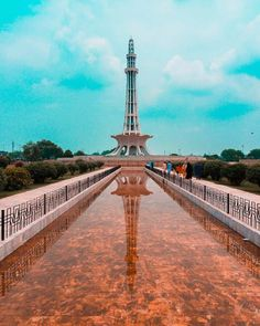 Happy Tuesday everyone! We are in Pakistan this week, and more in particular,in Lahore. In the pic you can see the minar-e-Pakistan, a national monument built between 1960 and 🇵🇰❤️🇵🇰 Lahore Pakistan, Pakistan News, Pakistan Funny, Pakistan Pictures, Places To Travel, Places To Visit, Travel Destinations, Pakistan Travel, Pakistan Tourism