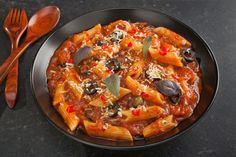Penne with Tomatoes, Capers, Anchovies, and Olives (Pasta alla Puttanesca)