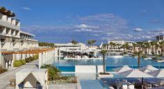 €239 Installé dans 6,5 hectares de jardins, l'établissement Avra Imperial Beach Resort & Spa dispose d'une piscine de 1 500 m² comportant un bar en son...