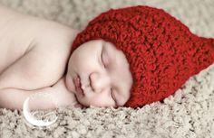 Newborn boy photo Boy Photos, Family Photography, Photo Ideas, Maternity, Crochet Hats, Beanie, Poses, Children, Shots Ideas