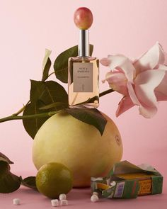 A creative still life series, created for Scentury Magazine. A journey trough several scents and perfume references. Beauty Photography, Object Photography, Still Life Photography, Creative Photography, Product Photography, Headshot Photography, Summer Photography, Inspiring Photography, Flash Photography