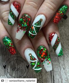 The Cutest and Festive Christmas Nail Designs for Celebration Amazing Red & Green Glitter Christmas Nails! The post The Cutest and Festive Christmas Nail Designs for Celebration appeared first on Halloween Nails. Chistmas Nails, Xmas Nail Art, Cute Christmas Nails, Holiday Nail Art, Xmas Nails, Glitter Nail Art, Holiday Mood, Halloween Nails, Green Christmas