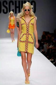 Moschino Barbie amarillo 60's