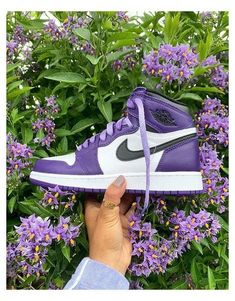 Purple Nike Shoes, Cute Nike Shoes, Purple Nikes, Nike Air Shoes, Purple Sneakers, Adidas Shoes, Air Jordans Women, Nike Air Jordans, Retro Jordans