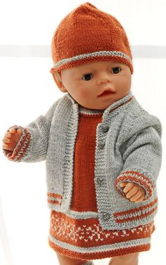 Doll knitting patterns - Fall Fashion for your doll, in rust, gray and white Sewing Doll Clothes, American Doll Clothes, Sewing Dolls, Doll Clothes Patterns, Doll Patterns, Baby Knitting Patterns, Fingerless Gloves Knitted, Knitted Hats, Annabelle Doll