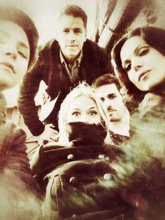 Foto grupal! Ginnifer Goodwin, Josh Dallas, Jennifer Morrison, Colin ODonoghue, Lana Parrilla