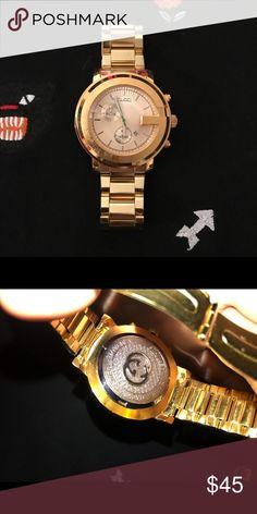 0f1d4059f Gucci watch ( GOLD ) Gold Gucci Watch 🔥 Amazing quality gold watch 〽 UA