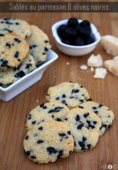 Cookies au parmesan et olives noires - Miranda Gapper Vol Au Vent, Shortbread, Buffets, Easy Cooking, Parmesan, Food Inspiration, Appetizer Recipes, Love Food, Food Porn