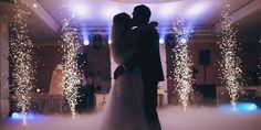 Πρόστιμο 3.000 ευρώ στον γαμπρό για υπεράριθμους καλεσμένους στην εκκλησία Indoor Wedding, Wedding Bride, Wedding Venues, Ballroom Wedding Reception, Star Wedding, Wedding Ceremony, Wedding Ideas, Popular Wedding Dance Songs, Mother Son Wedding Dance
