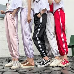 Korean Fashion Trends you can Steal – Designer Fashion Tips Sporty Outfits, Korean Outfits, Trendy Outfits, Cute Outfits, Fashion Outfits, Travel Outfits, Sport Fashion, Sweatpants Outfit, Jogger Pants Outfit