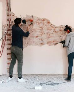 7 Beautiful Projects You Can Easily Make Out of White Air Dry Clay Painting Over Wallpaper, Diy Wallpaper, Brick Paver Patio, Paving Pattern, Diy Daybed, Watch Image, Garage Remodel, Diy Drawers, Painting Plastic