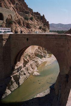 The roman bridge in El Kantara, the gate to Sahara, Algeria (by walid_minolta).