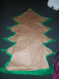 Christmas tree costume Christmas Tree Costume Diy, Christmas Pageant, Christmas Fancy Dress, Christmas Concert, Diy Christmas Tree, Kids Christmas, Halloween Diy, Christmas 2016, Xmas